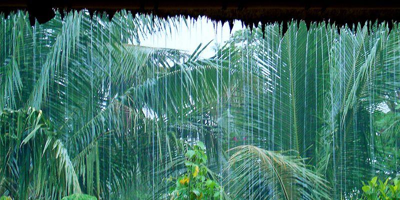 Погода Бали во влажный сезон, кратковременный дождь
